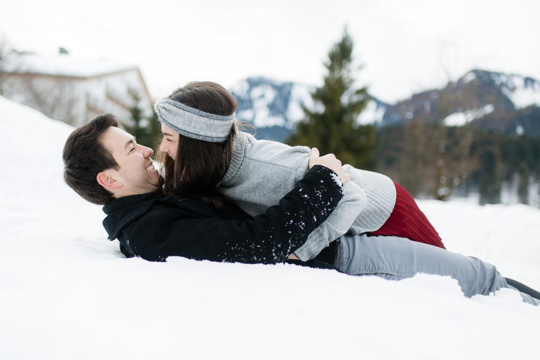 Kuscheln im Schnee am Spitzingsee