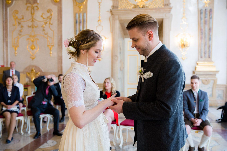 Hochzeitsfotograf-Salzburg-Marmorsaal-Mirabell-Hochzeit-0014.jpg