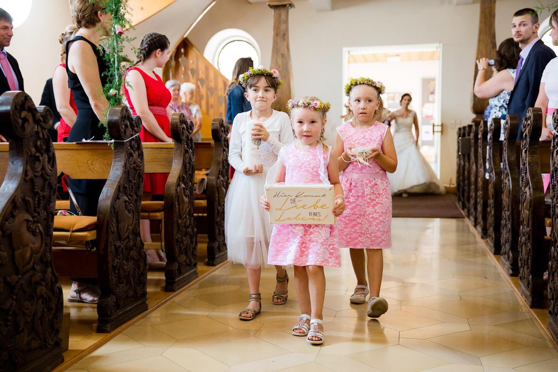 Einzug Kirche Hochzeit Großkuchen