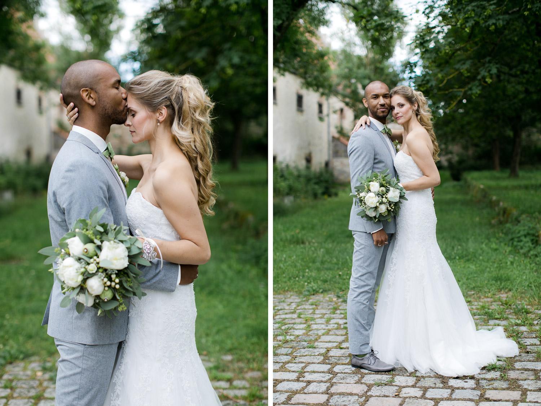 Romantische Paarbilder an der Hochzeit
