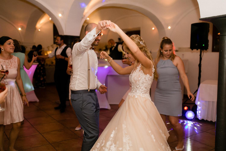 Gut Schwabhof Hochzeitsfeier Tanzfläche