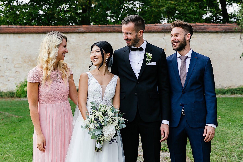 Familienfotos bei der Hochzeit
