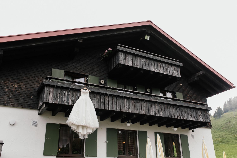 Hochzeit auf einer Berghütte im Allgäu