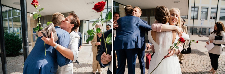 Hochzeitsfotos beim Rathaus in Friedrichshafen